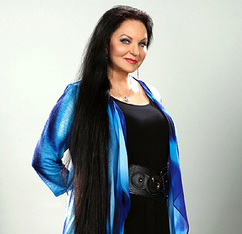 NEW! Crystal Gayle (2020)